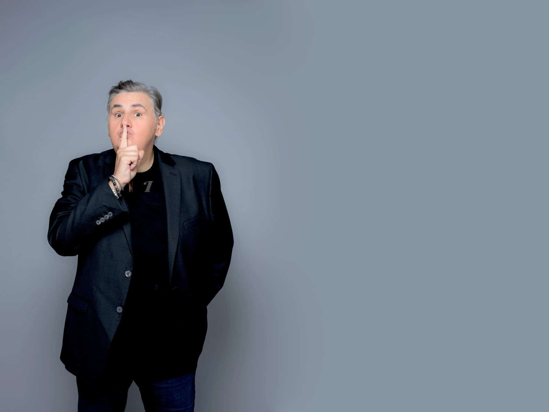 Photo of Canal+ : Pierre Ménès nargue TF1 et M6