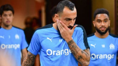 Photo of OM : Damien Perrinelle vole au secours du martyr Mitroglou